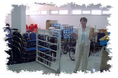 This is kind of hard to believe.  Look at all this stuff!<br /><br />Pilgrims from Ireland, England, America and Canada brought over sheets, towels, <br />dishes and everything imaginable for the Home.